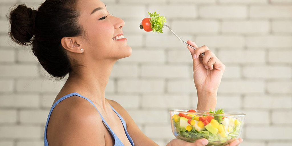 Slow Down and CHEW – tips for eating mindfully